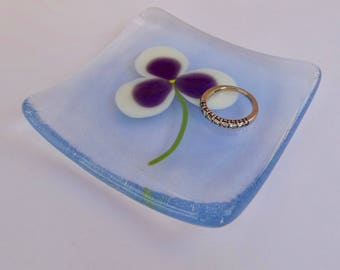 Pansy - Pansies - Fused glass ring dish. Fused glass jewellery dish. Fused glass flowers. Fused glass pansy dish.  Jewellery dish.