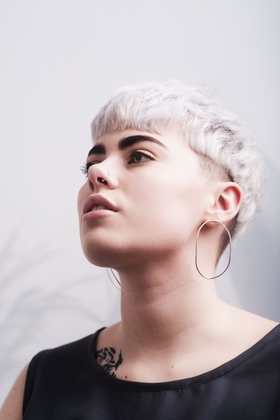 Statement oval hoops