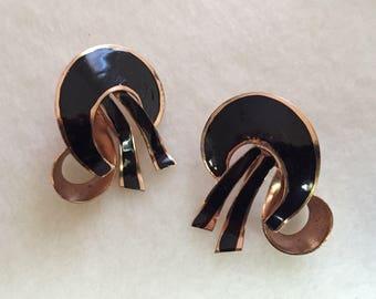 Super 1940's Coro Screw Back Earrings