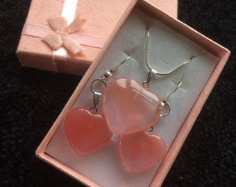 Pink agate stone loveheart necklace with matching earrings