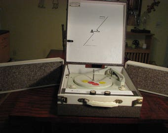 Vintage Arvin Portable Stereo Record Player