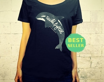 Wild and Free (Orca in Grey) // Ladies Womens Shirt, scoop neck, T-shirt, Whale, Killer Whale, Illustration, Blackfish, Animal, Lisa Barbero