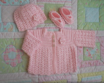 baby crochet sweater, baby girl, baby sweater, pink baby sweater, crochet baby sweater, newborn, baby cardigan, handmade, pink 0 to 6 months