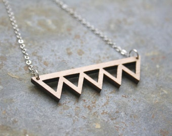 Wood geometric necklace triangles shape, graphic minimal chic style jewellery, natural wood art déco inspiration, design and made in france