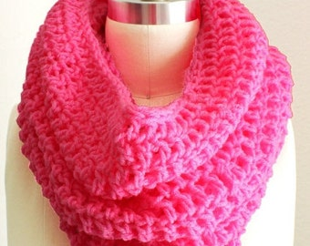 "Crocheted XL Chunky Tube Cowl Pink ""Bubble pink"""