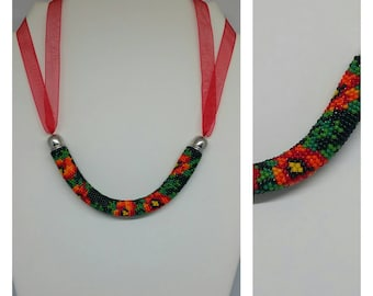"""Poppy"" crochet beads necklace"