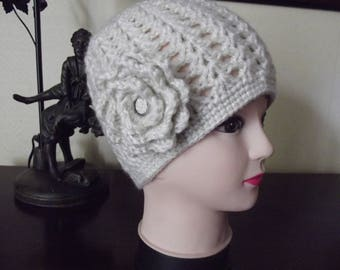 retro style in beige wool hat handmade