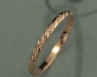 Rose Gold Wedding Band--Versailles Pattern Band--Women's Wedding Ring--Vintage Style Wedding Band--Petite Rose Gold Band--14K Rose Gold Ring