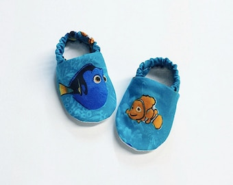 Handmade Soft Sole Baby Moccs / Moccasins / Booties / Crib Shoes / Slippers Finding Nemo Dory Marlin