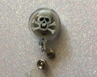 Retractable skull badge holder retractable badge holder