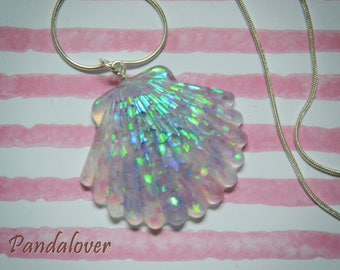 Shell necklace with stars
