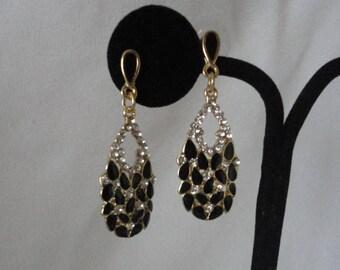 Black  Enamel Pronged crystals Earrings.**