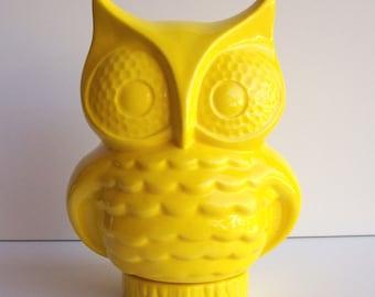 Owl Planter, Ceramic Owl, Owl Vase, Desk Planter, Vintage Design, Lemon Yellow, Nerdy Gift, Cactus Planter, Modern Planter, MCM, Dorm Decor