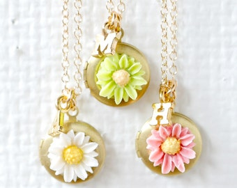 Personalized Daisy Locket Necklace, Initial Necklace, Children Locket,  Flower Girl Gift