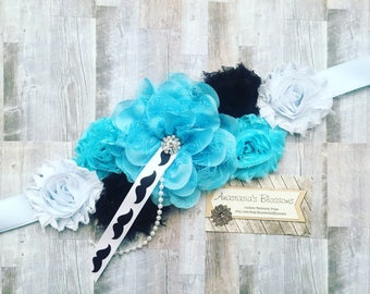 Blue Maternity Sash, Mustache Maternity Sash, Mom to be Sash, Mustache Baby shower, Blue mom to be sash, blue sash for baby shower
