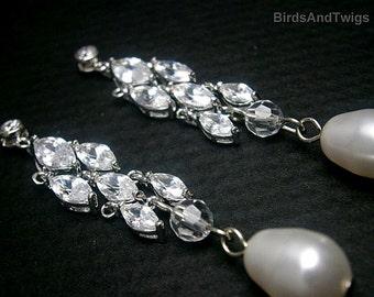 Boucles d'oreilles Chandelier de boucles d'oreilles mariée avec zircon et perles de cristal Swarovski blanc SALE