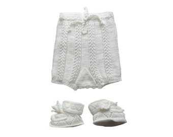 French Vintage 50 to 70's / baby knitted ensemble / panty and booties / white wool blend / handknitted / new old stock / size 6/9 months