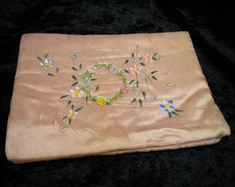 Hanky Folder Antique Peach with Ribbonwork circle Hanky Holder Hand Painted (FFs1236)