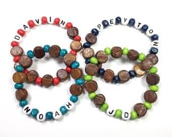 Armband für jungen Jungen Holz Perlen Armband. Personalisierte Namensarmband. Mitbringsel Strumpf Stuffer oder Valentinstag für Jungen. Hypoallergen