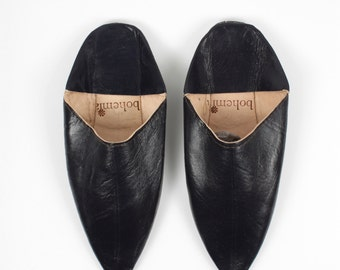Men's Leather Slippers    Traditional Moroccan Pointed Babouche    Dyed With Natural Colour    Black