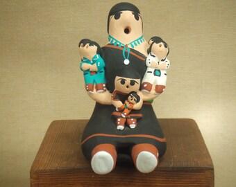 Native American Indian art sculpture - Santa da Mingo story teller