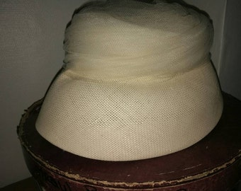 Vintage hat 1950s 1960s Beige Ladies Summer Hat