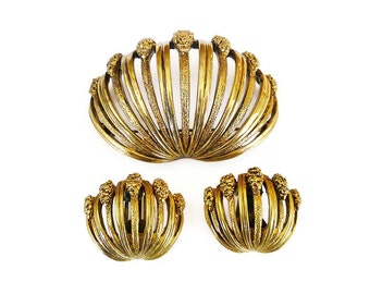 Vintage Tortolani Shell Brooch Earrings - Clam Shell, Gold Tone, Gold Nugget, Vintage Jewelry Set, Mid Century Jewelry, Demi Parure