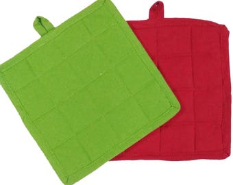 Solid Red and Green Quilted Potholders (Set of 2) - Red Green Cotton Quilted Pot Holders, Kitchen Potholders, Set of 2 Fabric Pot Holders