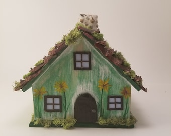 Handmade Fairy house - Fairy Garden - Little green Meadow