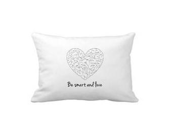 Satz von 2, Designer Kissen-, 100 % Baumwolle, zeitgenössische Spaß, sei schlau und Liebe, Minimal Bettwäsche, Housewarminggeschenk