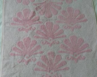 Vintage pink Fieldcrest hand towel sculpted shell design
