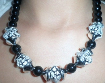 Black, White & Silver Beaded Chunky Vintage Necklace