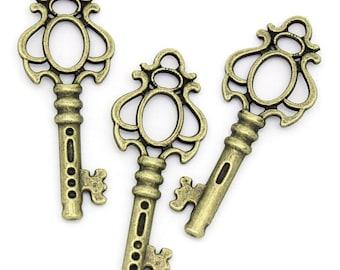 2 pendants large treble clef metal bronze