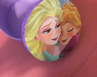 CLEARENCE Disney's Frozen Anna & Elsa Jewelry Box