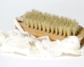 Nail Brush, Natural Wooden Finger Nail Brush Soft Bristled Two-Sided, Spa Manicure, Boar Bristle Cleaning Brush, Natural Bristled Nail Brush