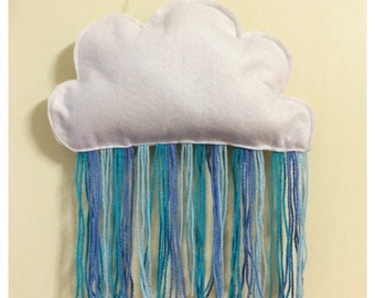 Little yarn rain cloud