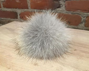 Grey Coyote Pom, Fresh Light Grey, Fur Ball, Pom Pom, Grey Fur Pom, 4 Inch, Real Fur, Beige Coyote Fur, Hat Pom, Recycled Fur, Detachable