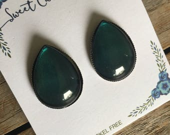 CLEARANCE Teardrop Stud Earrings