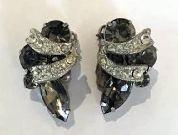 Vintage 1950s Weiss Smokey Grey Rhinestone Earrings