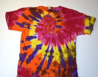 Rollercoaster Ride Spiral Tie Dye T-Shirt  (Fruit of the Loom Heavy Cotton HD Size L) (One of a Kind)