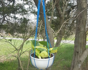 Small Blue plant hanger and bowl