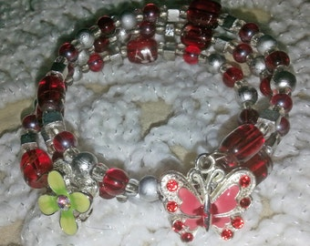 Beautiful Red Beaded Memory Wire Bracelet (I 280)