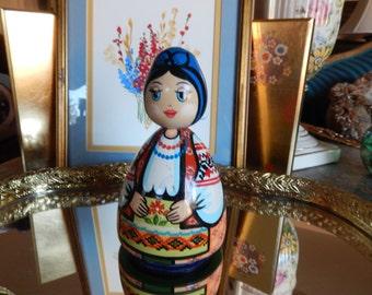 RUSSIA HAND PAINTED Girl Figurine