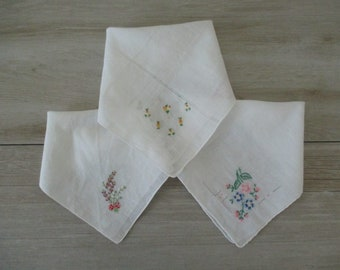 3 Vintage Handkerchiefs Embroidered Hankies Hanky Handkerchefs