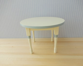 Dollhouse Miniature round Table 1/12 Scale