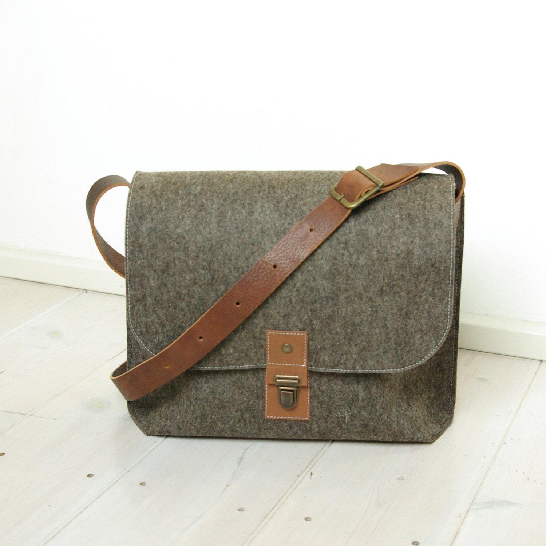 """FELT 13"""" MESSENGER BAG laptop A4 briefcase macbook bag - sandbrown wool leather details vintage style man bag"""