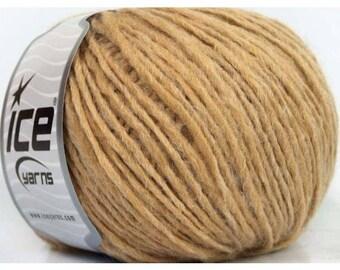 "Ball of yarn ""Worsted Bolivia"""