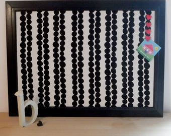 Black and White bold print pinboard