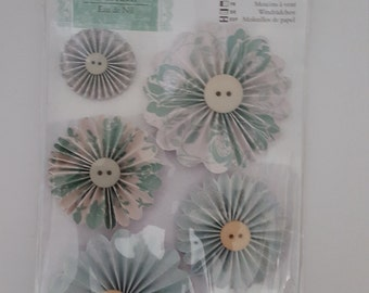 Docrafts Papermania Eau De Nil Pin Wheels