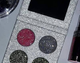 Glitter eyeshadow palette of 4